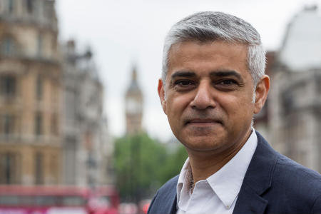 Sadiq Khan urges Theresa May to dismiss third Heathrow runway