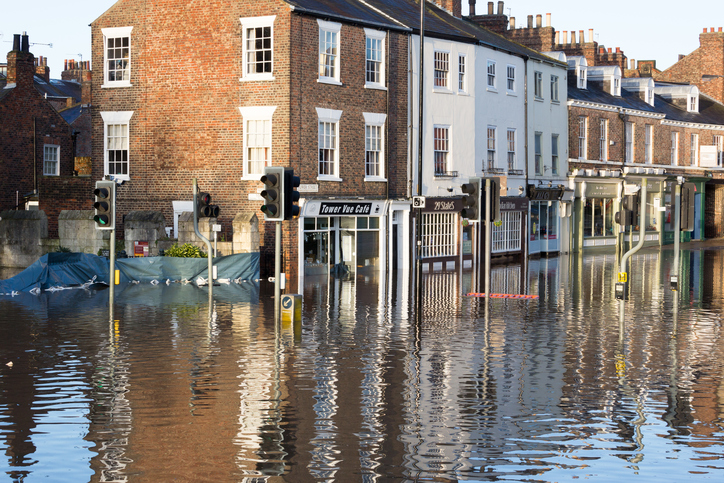 Hundreds of homes to be protected by 18m flood defence