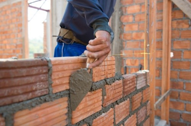 Private sector housebuilding slowdown 'worrying'
