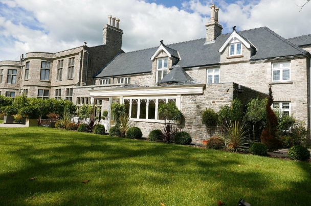 Signature supports Welsh mansion restoration